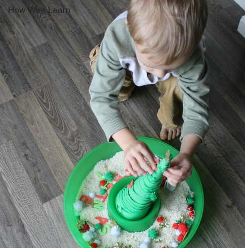 Christmas sensory bin, how we learn about our senses