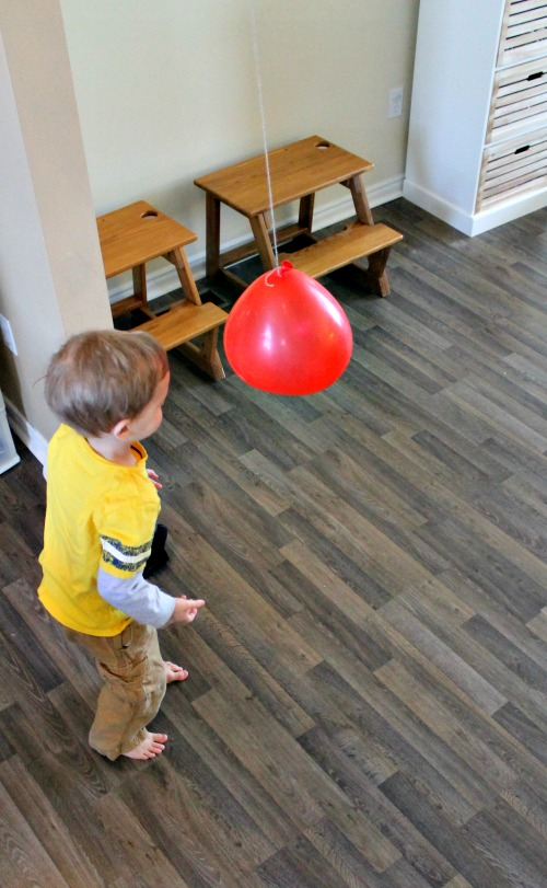 Awesome balloon games for kids how wee learn for Indoor gross motor activities