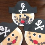 kids making pirates from paper plates