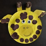 a giraffe made with paper plates for preschoolers