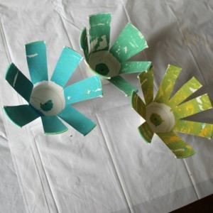 how we learn to make paper cup flowers