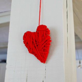 Wrapping hearts with yarn as a Valeninte's day craft