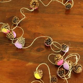 A pretty pine cone garland craft