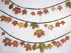 Fall crafts for preschoolers -leaf garland