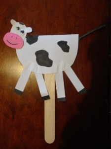 Nursery rhyme crafts for toddlers - hey diddle diddle