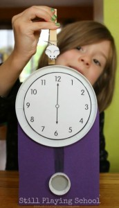 Nursery rhymes crafts - Mouse and clock craft