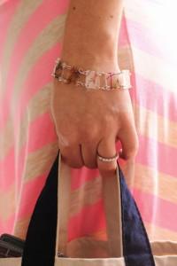 Gifts kids can make - DIY bracelet