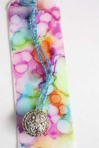 Gifts kids can make - tie-dyed bookmarks