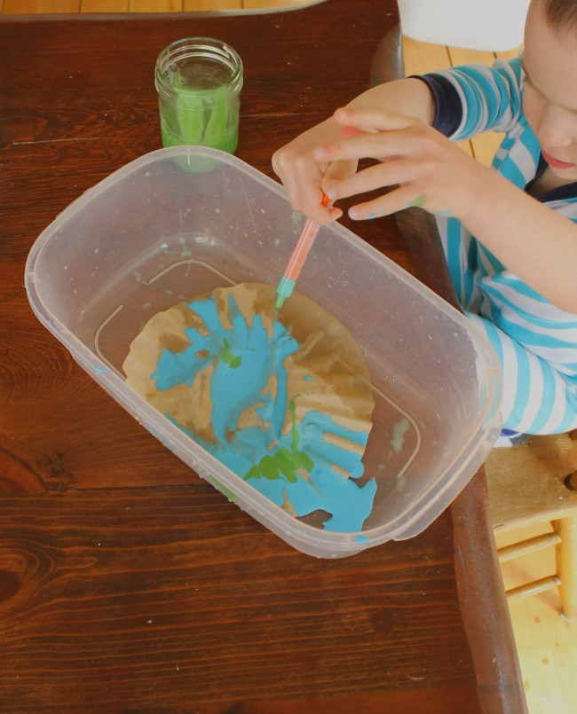 Earth Day crafts for preschoolers with process art!