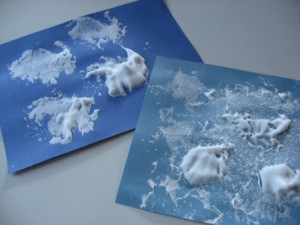 Spring crafts for toddlers - puffy cloud art