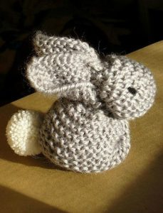 knitting-for-kids-bunnies