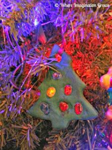 christmas-ornaments-to-make-with-kids-salt-dough-and-melted-beads