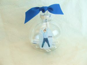 christmas-ornaments-to-make-with-kids-time-capsule-ornament