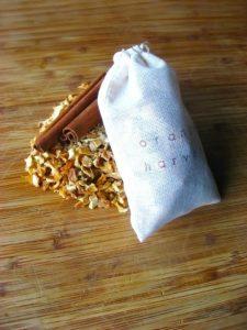 making-potpourri-with-kids-orange-harvest