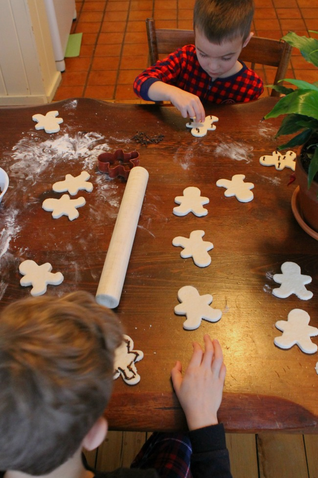 Salt dough Christmas ornaments with cloves! This is the best salt dough recipe!