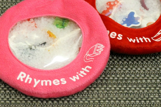 Rhyming bags are a great way to practice this literacy skill with preschoolers!