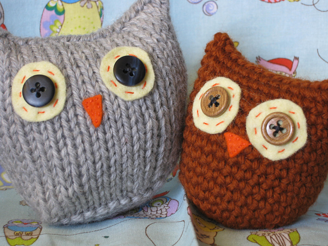 One square knitting project - owls! Perfect beginner knitting craft for kids