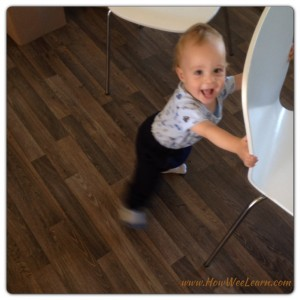 These 3 little games with teach your baby to walk! SO FUN! #baby #teach #walk #grossmotor