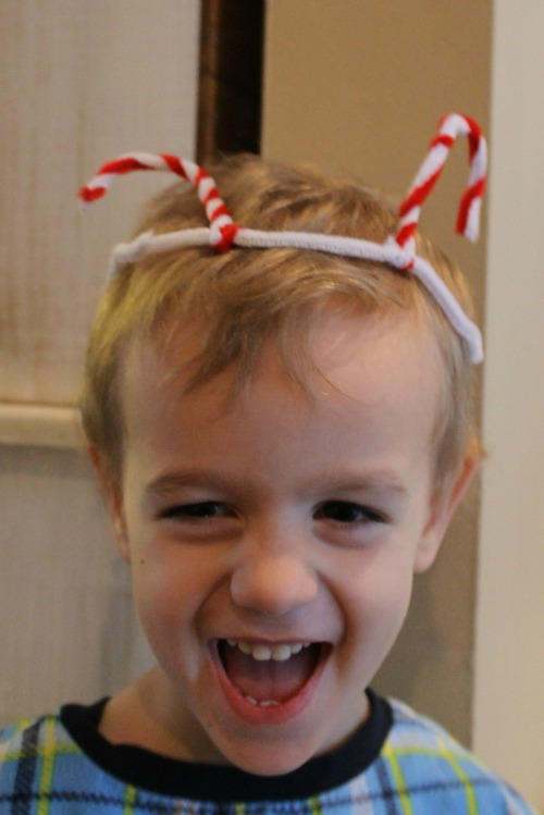 A DIY new year crown for kids