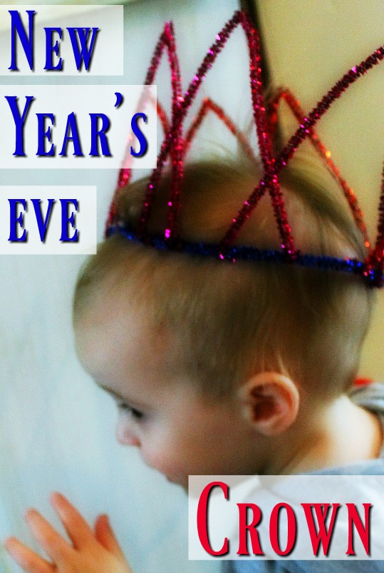 A great New Year's Eve craft for kids - happy new year crowns! #newyearswithkids #newyearcrafts #newyearseve #kidscrafts #preschoolcrafts #craftsforkids #newyearseveactivities