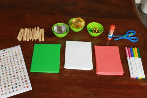 an activity for preschoolers to make Christmas ornaments