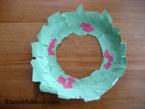Paper plate Christmas crafts ripped art & Paper Plate Christmas Crafts - How Wee Learn