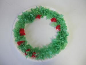 Paper plate Christmas crafts wreath & Paper Plate Christmas Crafts - How Wee Learn