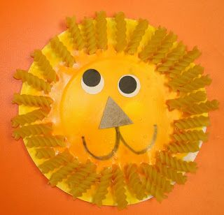 lions with noodles paper plate craft for kids  sc 1 st  How Wee Learn : paper plate art - pezcame.com