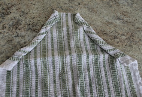 The 10 Minute Tea Towel Apron - How Wee Learn