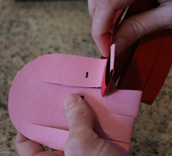 how to weave a heart basket