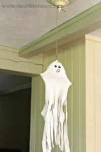 SOCK-ingly Spooky Ghost Craft!