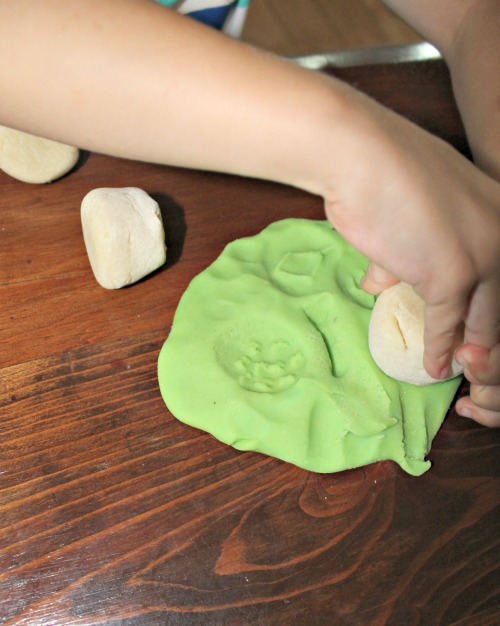 how we learn, playdough stamps