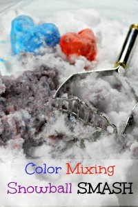 Snowball smashing and color mixing are such fun ways to play in the snow for preschoolers!