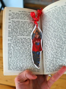 A very sweet DIY Hang On! Bookmark