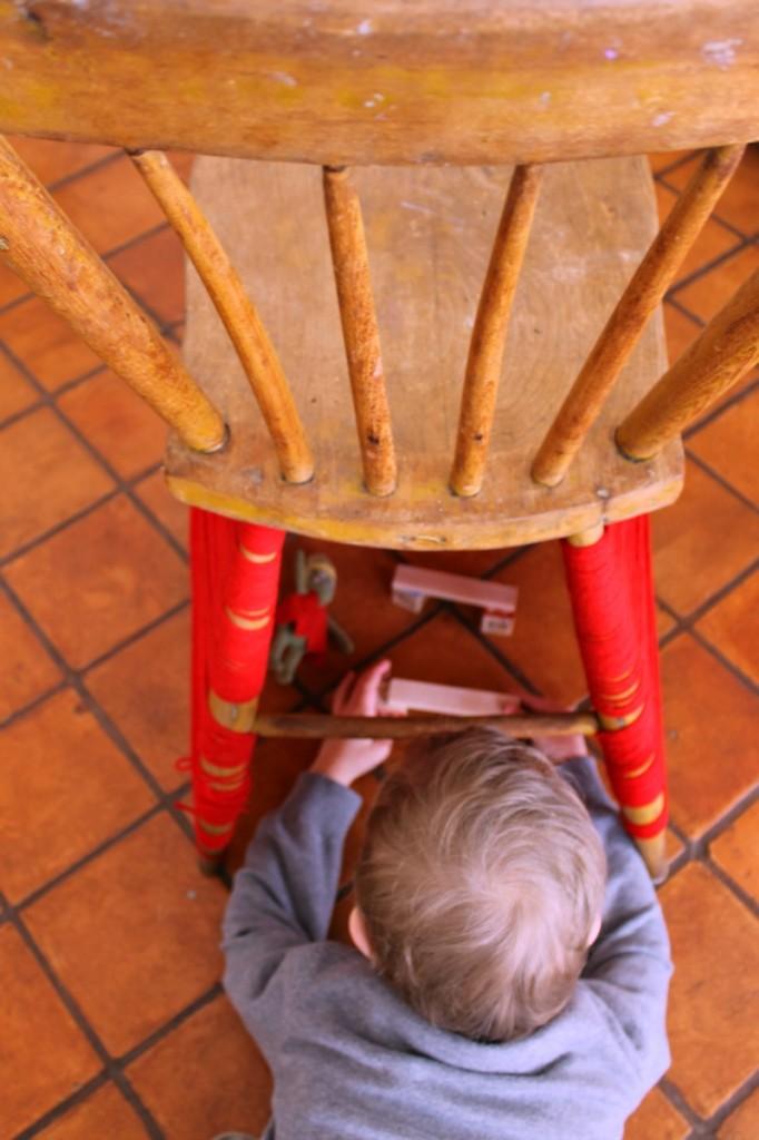yarn bombed chair 4