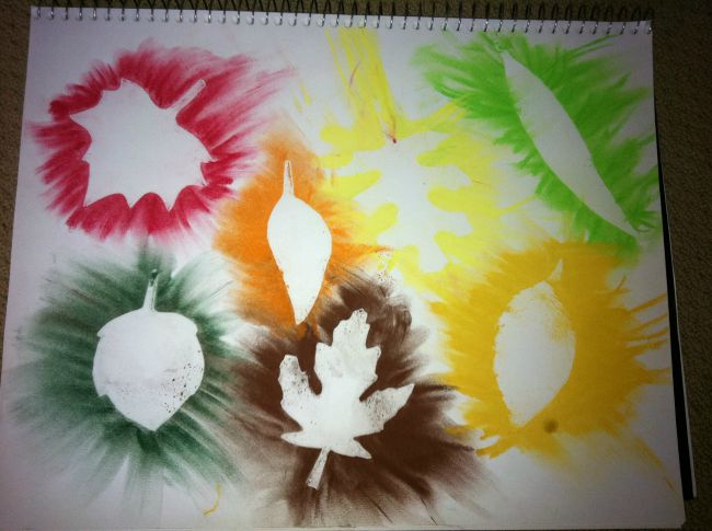 Fall crafts for kids - pastel leaf rubbings