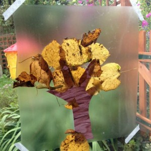 Fall crafts for preschoolers - autumn leaf tree