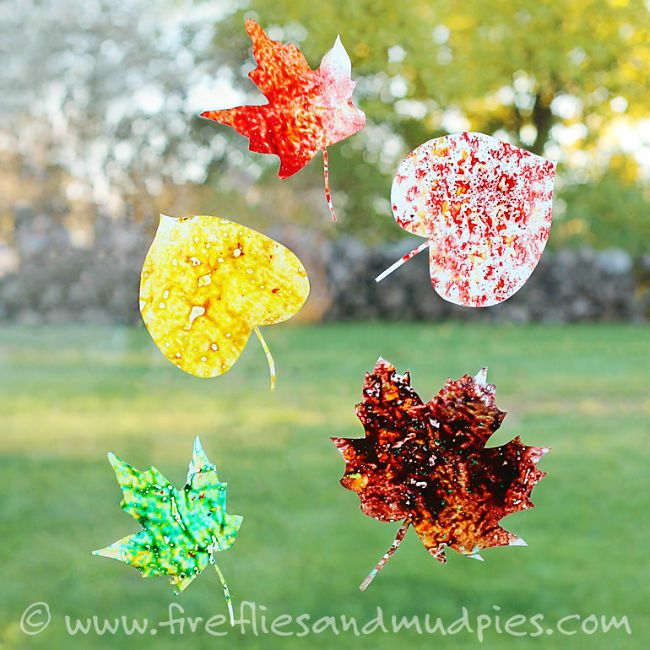 Fall crafts for preschoolers - melted crayon leaves