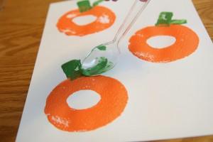 Fall crafts for preschoolers - pool noodle pumpkins