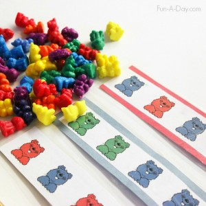 Quiet time for two year olds - bear color patterns