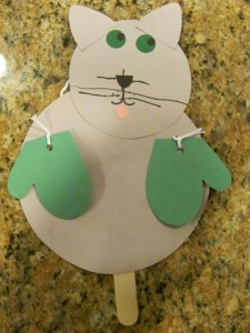 Nursery rhyme crafts for toddlers - kittens and mittens