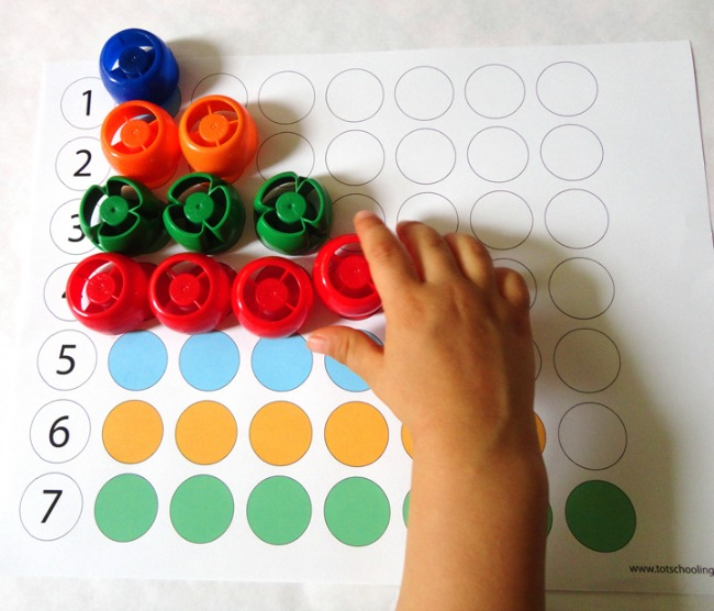 Quiet activities for toddlers - color matching printables