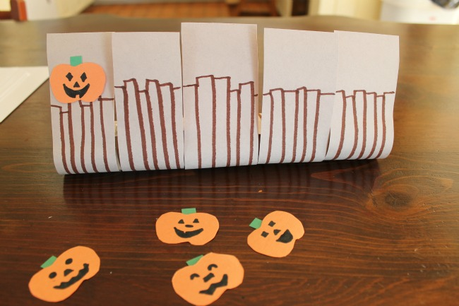 Such a cute craft for 5 little pumpkins