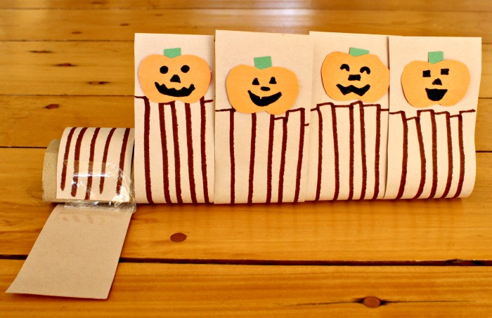 Such a cute idea for 5 Little Pumpkins