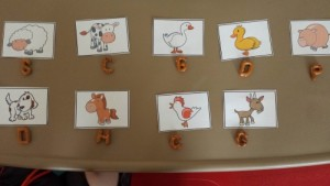 Farm theme activities - beginning sound farm game