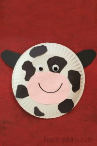 Farm theme activities - paper plate cow