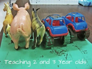 Farm theme activities - preschool farm art
