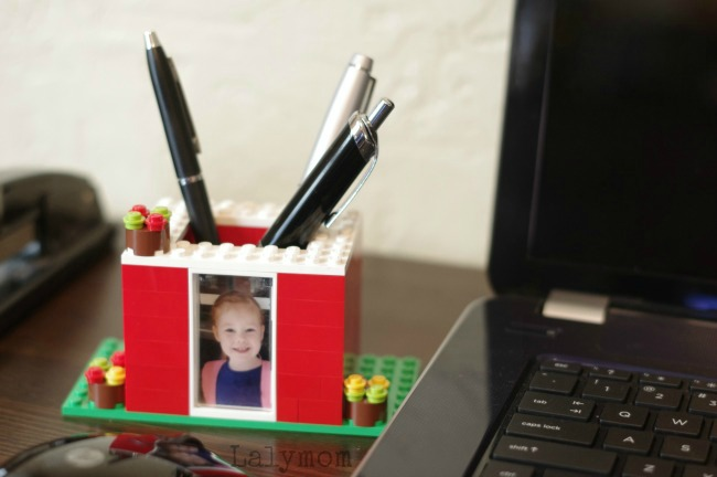 Gifts kids can make - Lego pen holder