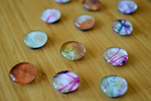 Gifts kids can make - art magnets