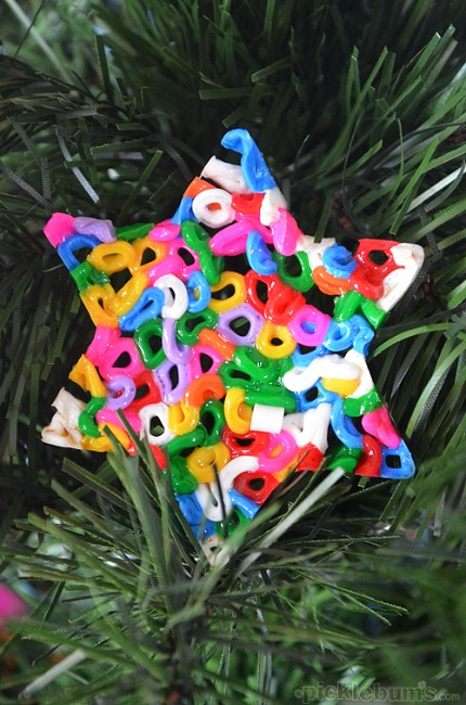 Christmas crafts for kids - fine motor garland